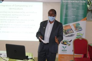 Prof. Charles Ssekyewa (CERD/St Lawrence University) presenting on 'Composting & Vermiculture Integration for organic nutrient recycling.'